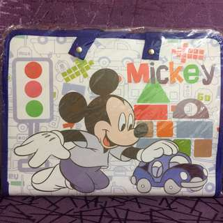 Mickey File Carrier