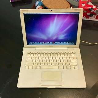 MacBook Basic Model 13.3
