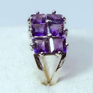 a Beauty 4x4mm Square Natural Amethyst sterling silver sz 5.5 ,3.3grams