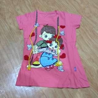 Kaos pink ayunan