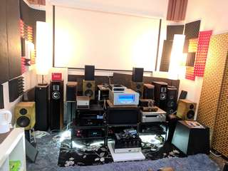 Many used amplifiers and speakers to clear