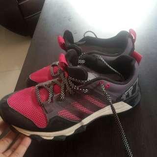 Sepatu Adidas tr7 running