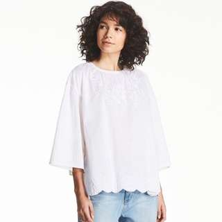 Uniqlo Embroidered Shirt Blouse TOP in Grey