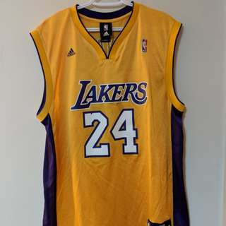 KOBE BRYANT SIZE (M) JERSEY - 10/10 CONDITION