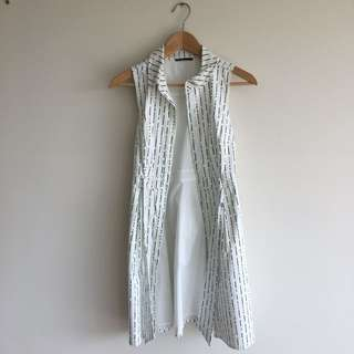 Tokito Size 6  Sleeveless Shirt dress
