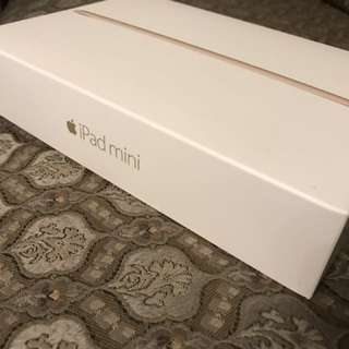 Ipad mini 3 GOLD 64gb comes w/ box and accesories