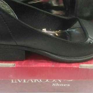 Sepatu kerja iMaroons