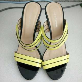 Primadonna yello green strap sandals. Used but not abused size 35 bought for 1,000 sellig only for 475