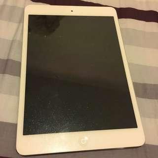 平放 99%新 iPad mini 白銀色