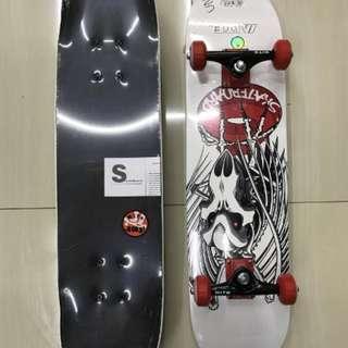 Skateboard Import Motif Putih