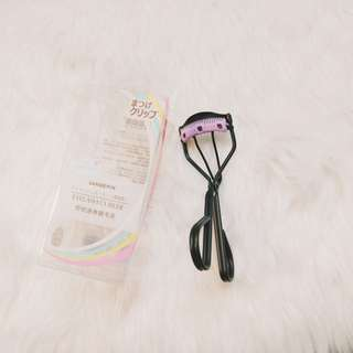 Eyelash Curler w/ Comb