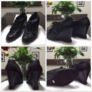 ANNA SUI WEDGE BOOTS SIZE US7=24CM $100