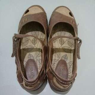 Sepatu ornella