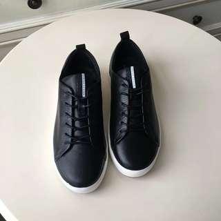(包郵)ECCO 百搭圓頭綁帶小白鞋。