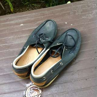 Genuine Aldo leather casual shoes Size US7 UK6. Used only a few times