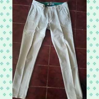 Jeans krem hardware