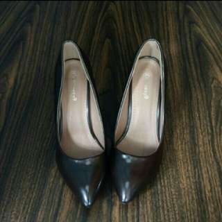 Heels iconninety9