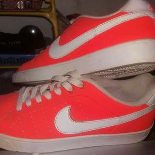 Nike Court Tour 1972