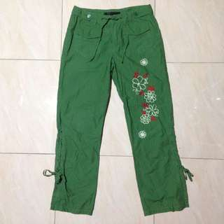 Floral emroidered trouser