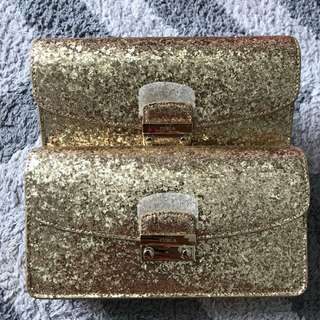 Furla Julia Pochette Gold Glitter size 21x12x4cm (detachable long chain, with card-slots inside)