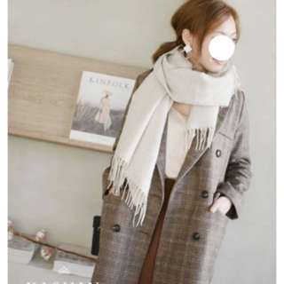 轉賣Kashin全新好搭溫暖素面流蘇圍巾米色