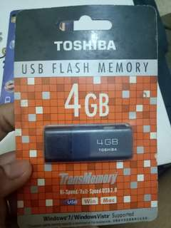 (New) Flashdisk Toshiba 4Gb (Free fish eye)