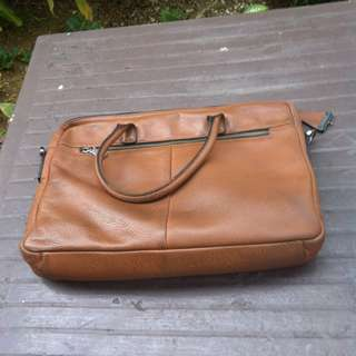 Hermes genuine leather bag. Strap is a replacement.