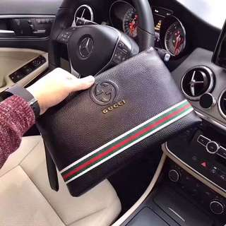 Gucci Clutch ( Gucci wallet )