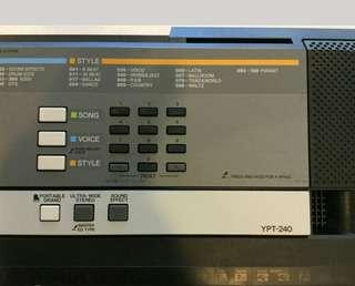 Yamaha piano YPT-240
