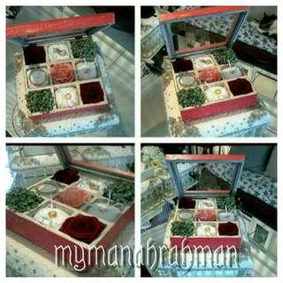 Gubahan hantaran. Jewellery box display.