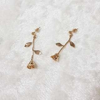 Kr Beaute Rose Earrings