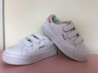 FILA 鞋