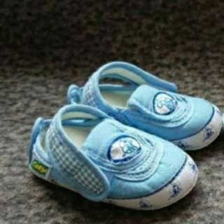 Sepatu newborn