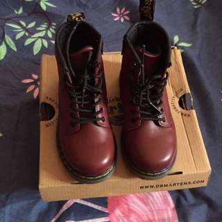 Dr Martens Brooklee Cherry Red Rouge