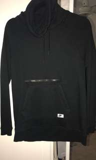 Nike jumper. Never been worn. Bought off iconic but was too small.