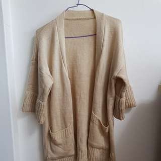 Knitted three-quarter sleeved Cardigan