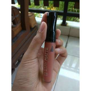 Staymatte rimmel london