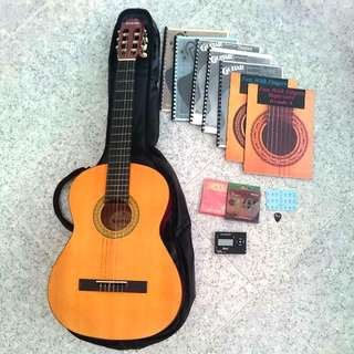 SUZUKI SNG-3 Beginner Student Full Size Classical Guitar Set Package Bundle