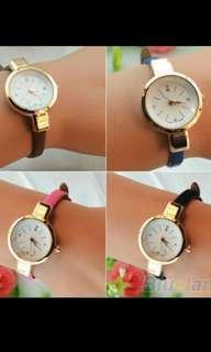 Jam tangan tali kecil