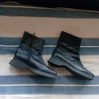 Mid-cut Leather Boots