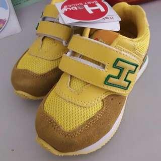 哈布 童鞋