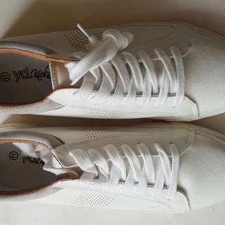 Mens White Sneakers Size 11