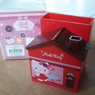 Hello Kitty stationery holder