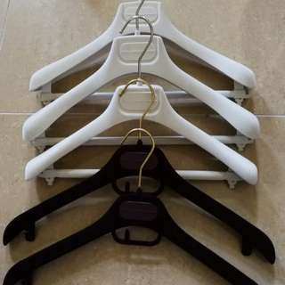 Stella McCartney hanger  Stella McCartney 衣架