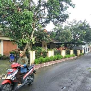 DIJUAL Rumah cocok untuk Hunian/Guest House/Kos2an di Jalan Kaliurang, JOGJAKARTA