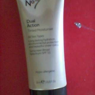 No.7 Dual Action Tinted Moisturizer