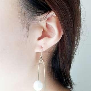 金色扣針珍珠耳環