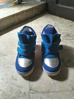 blue high shoes