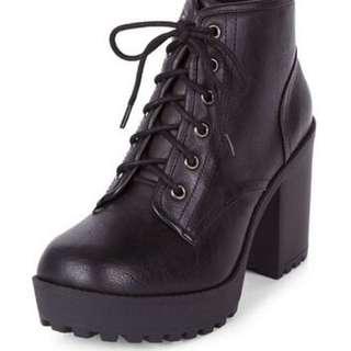 🚚 黑色短靴🔥✨現貨💖Black heeled boots