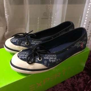 Levis blue flat shoes